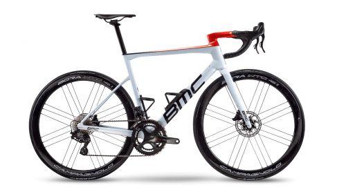 BMC e l'eleganza della Teammachine SLR01: in vendita la replica della bici di Van Avermaet & Co.